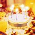 Торт и свечи | Виртуальные открытки